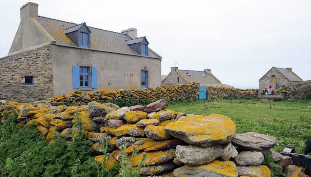 gite-sur-l-ile-de-quemenes-dans-la-commune-du-conquet-le-31-mai-2012